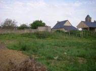 Le terrain avant le premier coup de pelleteuse en mai 2013